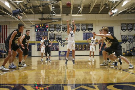Boys basketball falls to Barstow in Saints Classic