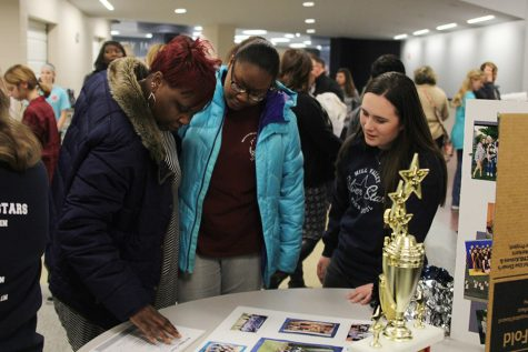 Student Ambassadors hosts annual incoming freshman night