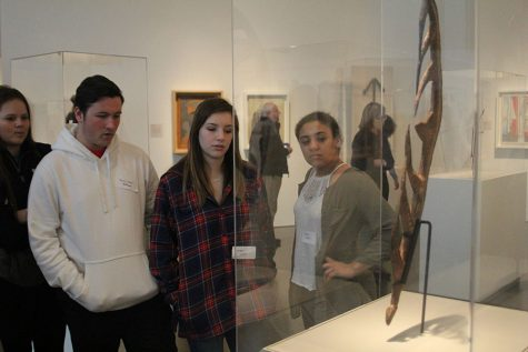 Spanish National Honor Society views Picasso exhibit