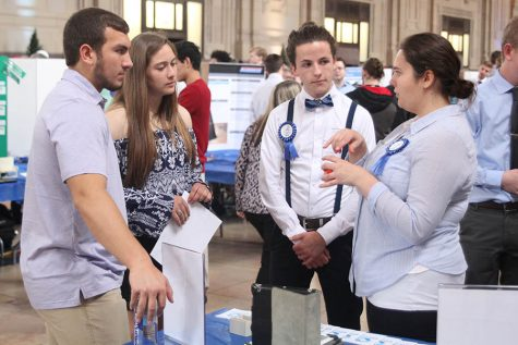 Four teams place in top ten at engineering senior showcase event