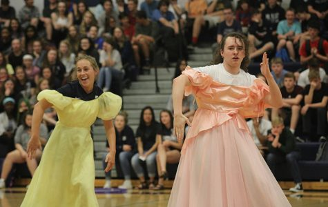 Stuco implements prom theme, 'Dancing Through the Decades,' into the prom pep assembly