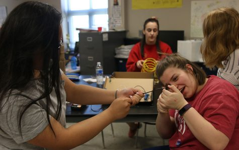 Physics classes create friendship detectors to learn current