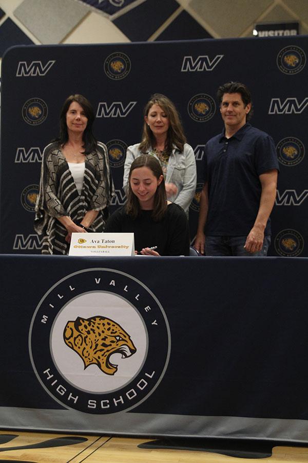 Senior+Ava+Taton+signs+to+play+volleyball+at+Ottawa+University.