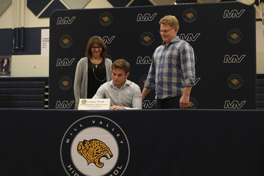 Senior+Conner+Ward+signs+to+Northeastern+Oklahoma+A%26M+College+to+wrestle.
