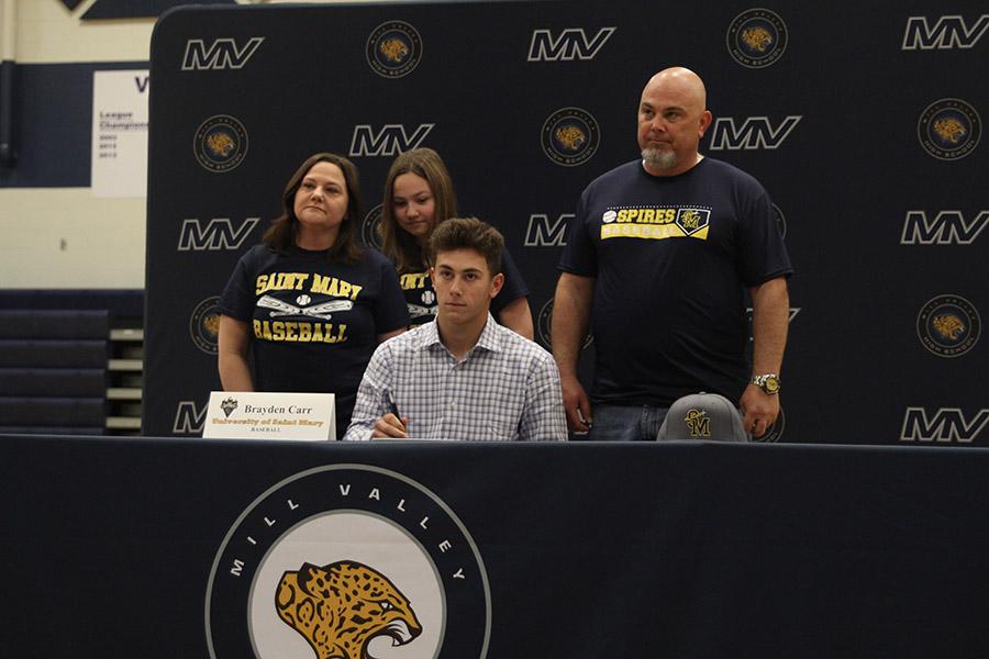 Senior+Brayden+Carr+signs+to+play+baseball+at+the+University+of+Saint+Mary.