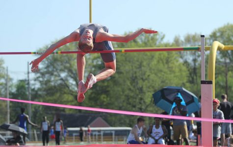 Gallery: track competes in annual Shawnee Mission North Relay
