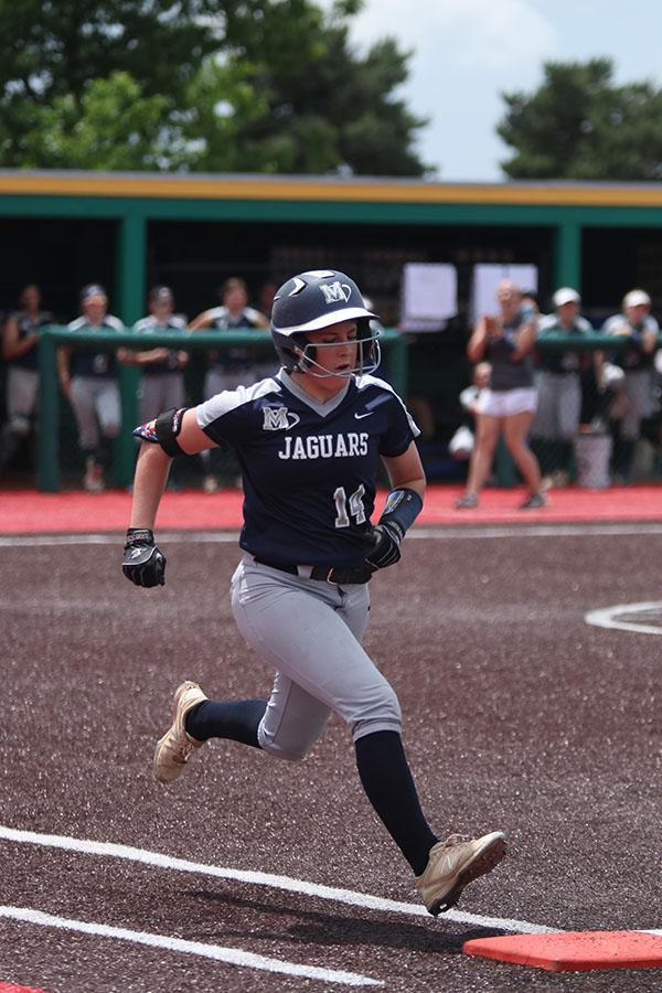 Senior+Peyton+Moeder+runs+to+first+base.