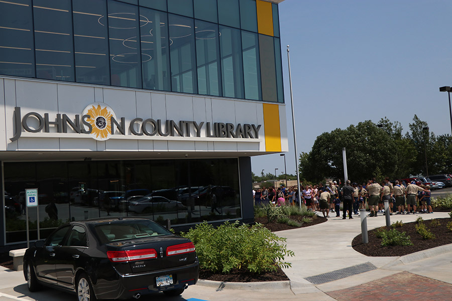 After months of construction, the new Monticello Library opened its doors at 1 pm on Sunday, Aug. 5.