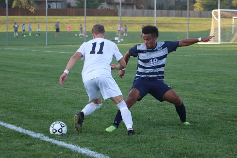 Boys soccer team beats St. Thomas Aquinas