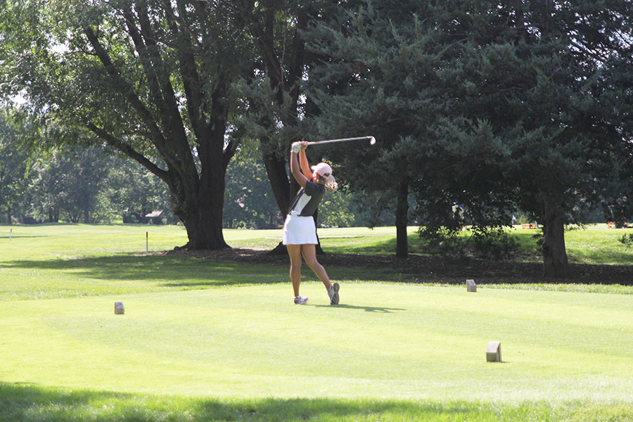 Halfway+through+the+rigorous+Leawood+Community+Center+Golf+Course%2C+sophomore+Megan+Haymaker+tees+off+on+hole+number+10+on+Tuesday%2C+Sept.+11.