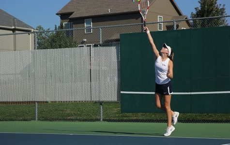 Girls tennis team finishes third at Varsity Jaguar invitational