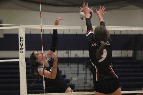 Volleyball defeats Blue Valley West in a two-set match