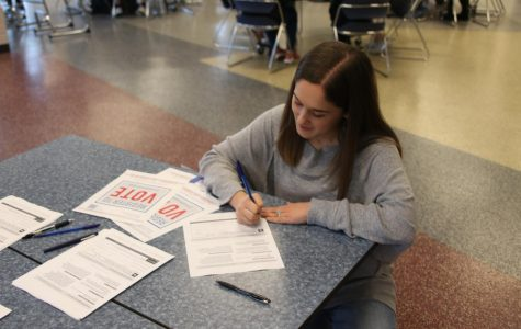Eligible seniors register for the upcoming midterm election