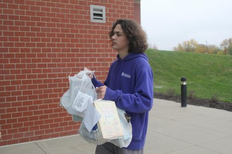 StuCo and NHS collect donated Trick or Treat so Others Can Eat items from community