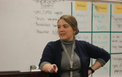 Before starting practice rebuttals in class on Thursday, Nov. 1, head debate coach Annie Goodson discusses the structure of a strong rebuttal.