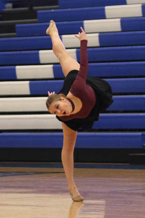 Gallery: Silver Stars dance team places first in lyrical