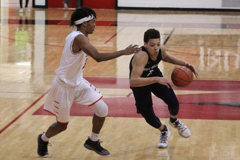 Boys basketball falls to Shawnee Mission North in first round of substate