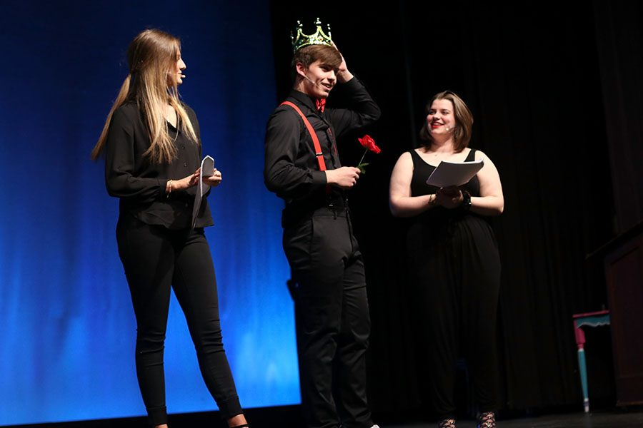 With the crown placed on his head, junior Mr. Mill Valley Cline Boone shares what he plans to do with his victory.