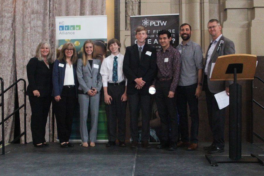 The+seniors%E2%80%99+projects+involved+airplane+lavatory+efficiency%2C+and+they+placed+second+to+receive+an+innovation+award+from+the+KC+Stem+Alliance.