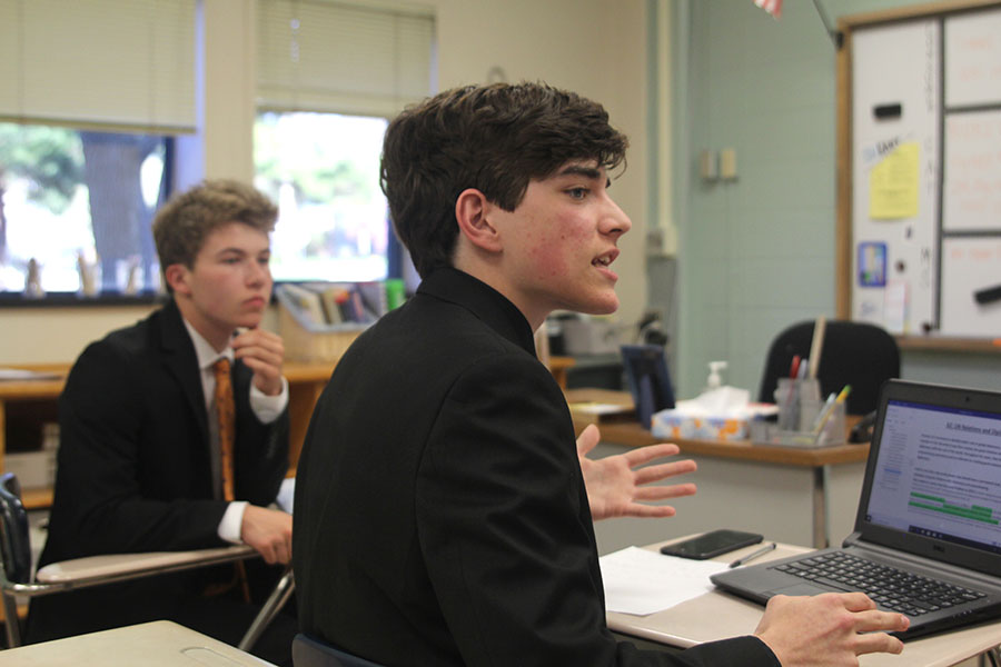 +During+cross+examination%2C+sophomore+Dutch+Platt+answers+a+question+from+the+opposing+team.