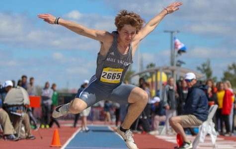 Gallery: Track teams compete at the 92nd KU Relays