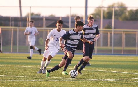 Boys soccer kicks off their season with 3-2 loss to Gardner Edgerton