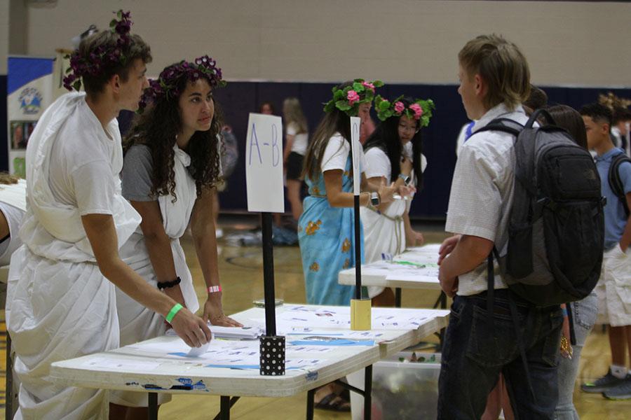 Freshman orientation kicks off the new school year – Mill