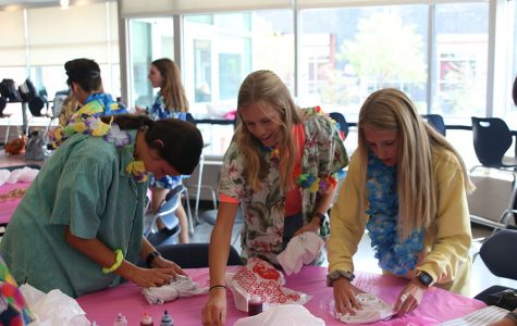 StuCo hosts tie-dye party for Homecoming spirit week