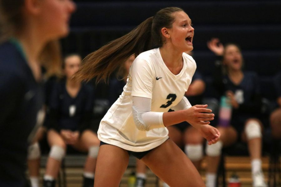 Calling+out+encouragement+to+her+teammates%2C+junior+Jaden+Ravnsborg+maintains+focus+during+the+first+volleyball+match+of+the+season+against+Spring+Hill+on+Friday%2C+August+30.+Ravsborg+has+verbally+committed+to+playing+for+Kansas+State+University%E2%80%99s+volleyball+team.%0A