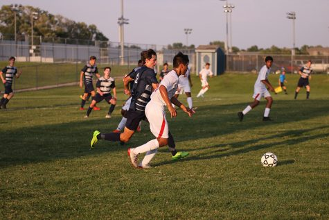 Boys soccer team ends season in quarter-finals against St. Thomas Aquinas