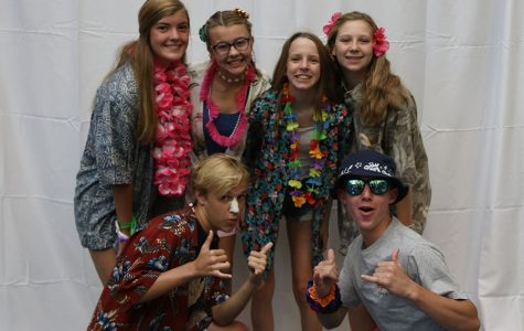 Gallery: Students dress in Hawaiian wear for Homecoming spirit week