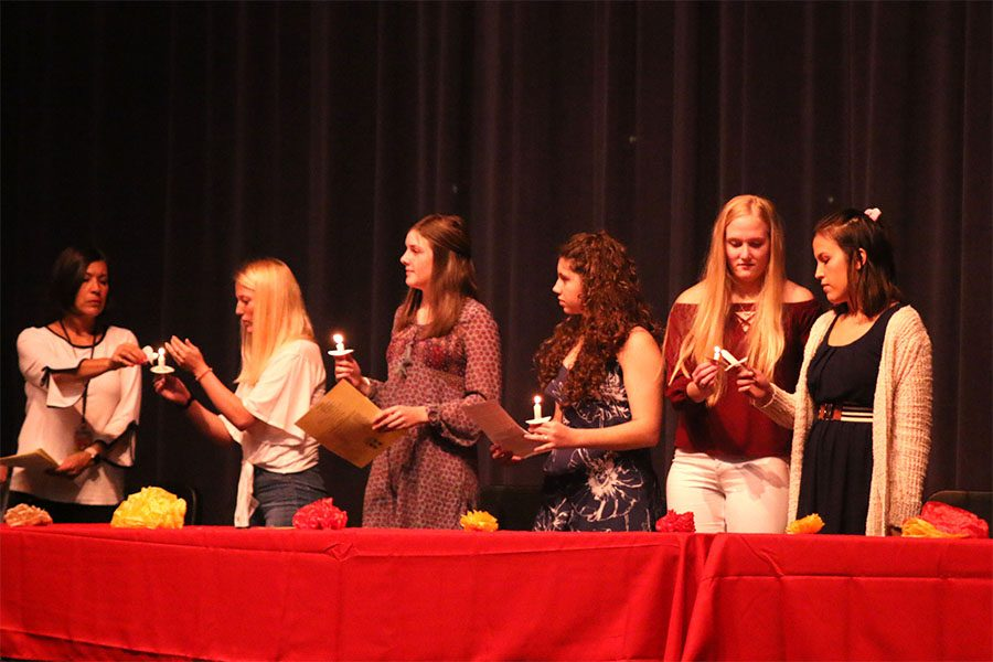 Spanish NHS hosts induction ceremony to welcome new members