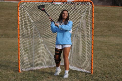 Lacrosse athlete recovers from ACL injury in the spring