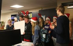 StuCo and choir partake in seminar christmas caroling