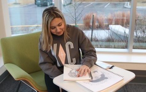 To help relieve stress, sophomore Lacey Marr looks to drawing. Whenever a tough test is coming up she gets out her sketchbook and draws.
