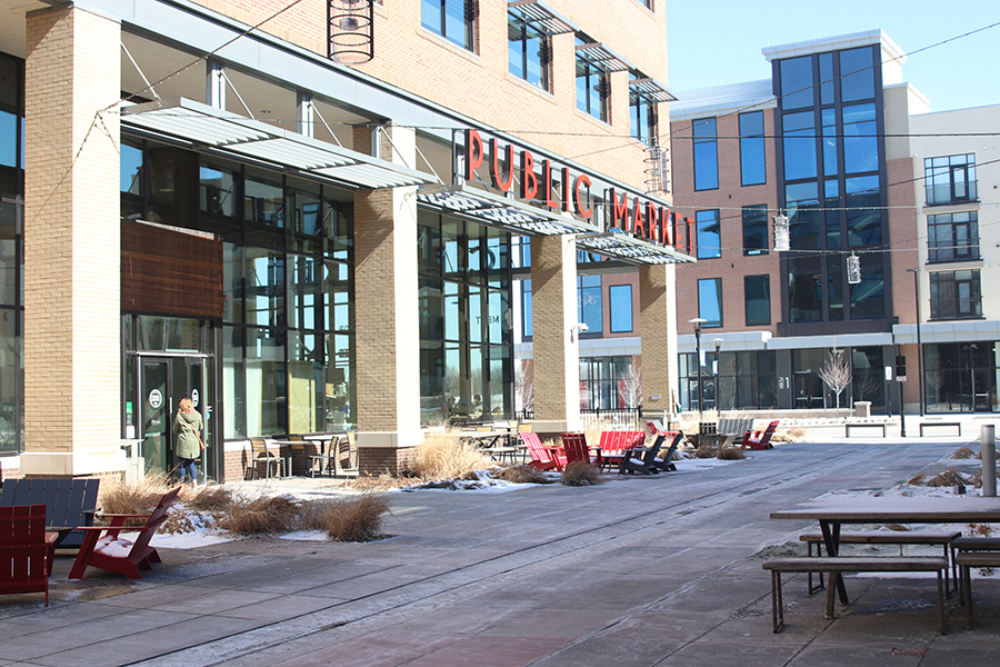 The Lenexa Public Market is a unique place to get a bite to eat or shop at the locally owned booths. Restaurants like Chewology and Mad Man's KC Barbecue offer good cuisine at the market.