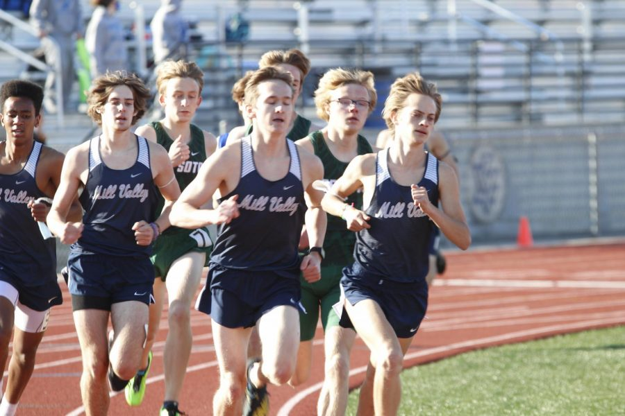 Leading in front, freshman AJ Vega, junior Chase Schieber, and seniors Carsyn Turpin and Cameron Coad start off strong in the 1600m race. Respectively the boys placed 4th, 2nd, 8th, and 7th.