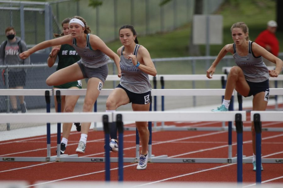 Kicking off finals, juniors Emree Zars, Quincy Hubert, and Reece Johnston compete in the 100m hurdles. Respectively, the girls placed fourth, first, and third.