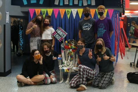 In pairs, students take a picture in their petrifying PJs.
