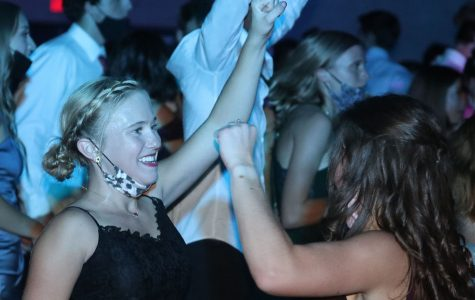 StuCo hosts haunted disco-themed Homecoming dance