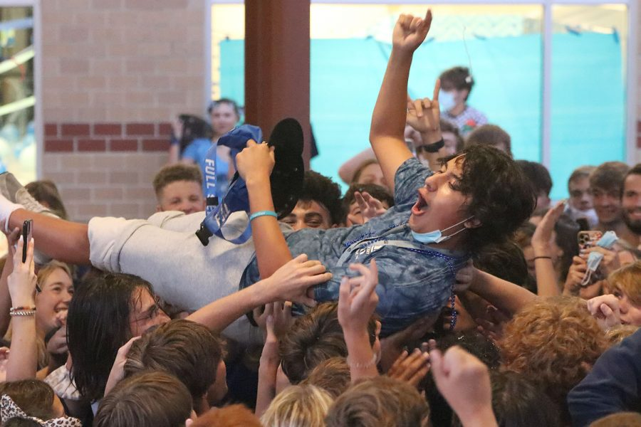 Hoisted+in+the+air+by+his+classmates%2C+senior+Danny+Talavera+crowd+surfs.